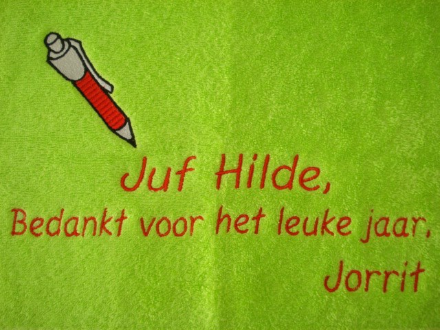 lime handdoek borduren ++ rode pen tekst juf
